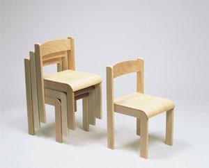 Stapelstuhl mit Formteilen